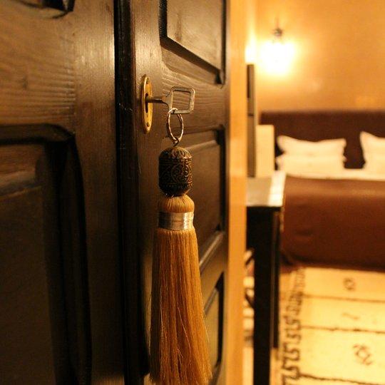 riad hermes riad marrakech pas cher avec piscine. Black Bedroom Furniture Sets. Home Design Ideas